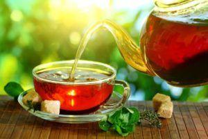 Слабо заваренный чай при сильном кашле