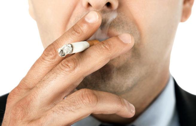 Гнойной бронхит может быть вызван табакокурением