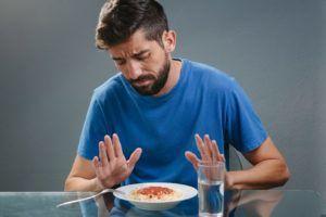 При выполнении гимнастики сначала человек испытывает неприятные ощущения такие как потеря аппетита