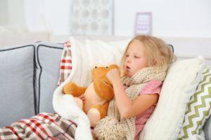 Влажный кашель возникает когда слизь постоянно стекает из носоглотки в трахею и при кашле выводится наружу