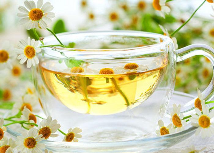 Чай с ромашкой и медом