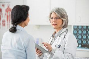 Перед использованием алоэ стоит порекомендоваться с врачом