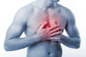 При бронхите в грудной клетке ощущается умеренная боль