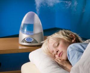 При лечении кашля воздух в помещении должен быть влажным