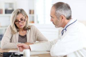 При первых появлениях симптомов стоит немедленно обратиться к врачу