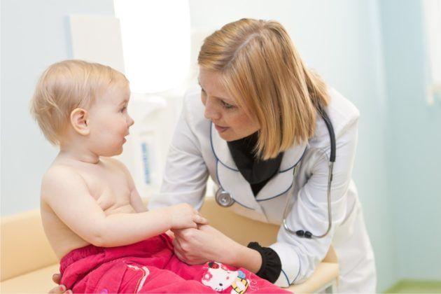 Ребенка стоит наблюдать постоянно у врачей