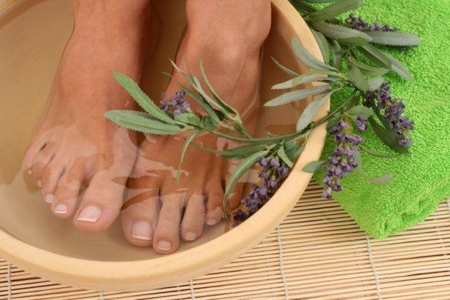 Ванны для ног с шалфеем и мятой
