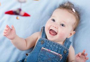 Для младенцев младше шести месяцев компрессы на спирту запрещены