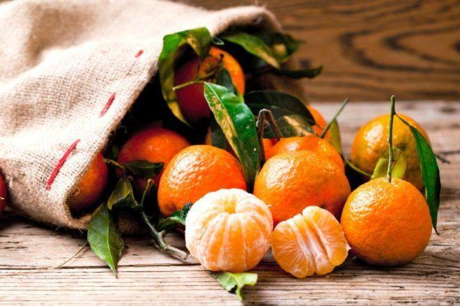Лечение кашля с помощью мандаринов