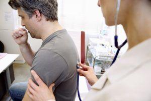 Периодические приступы сухого кашля при первой стадии бронхита