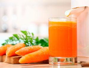 Польза морковного сока заключается в том что он обладает бактерицидным свойством