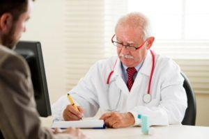 Важно обратиться к врачу за консультацией при первых признаках пылевого бронхита