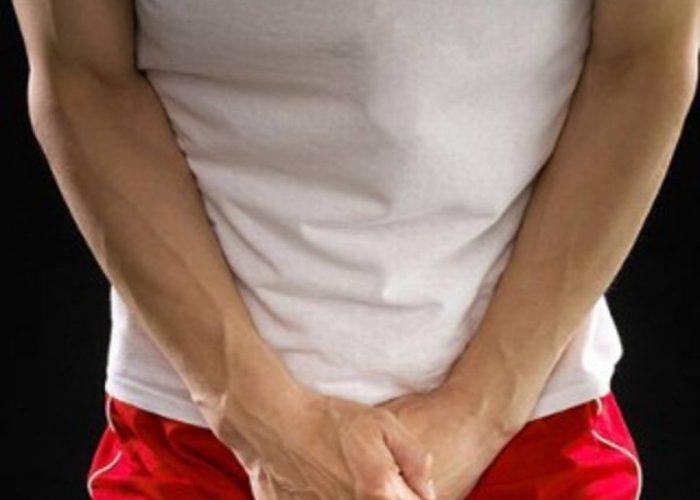 При инфекционных поражениях мужской половой системы