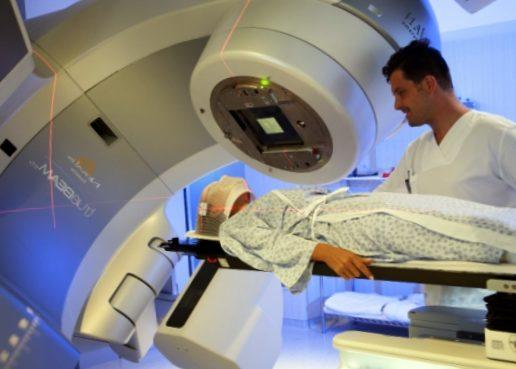 В составе комплексной терапии после трансплантации костного мозга