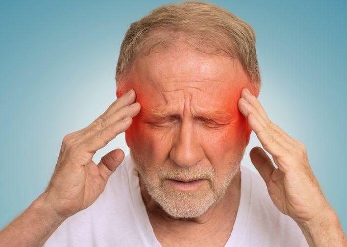 Высокая дозировка препарата воздействует на нервную систему, вызывая головную боль
