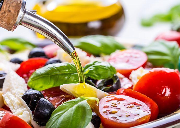 Овощной салат с заправкой из растительного масла