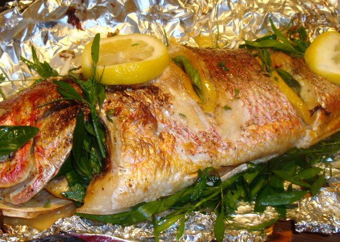 Запеченная в фольге филе рыбы